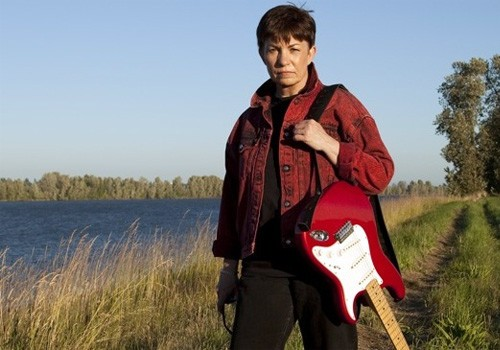 Susan SurfTone trades spies for surf guitar