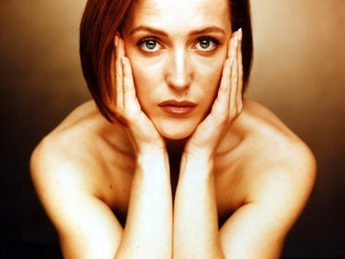 Gillian Anderson Comes Clean about Past Lesbian Romances