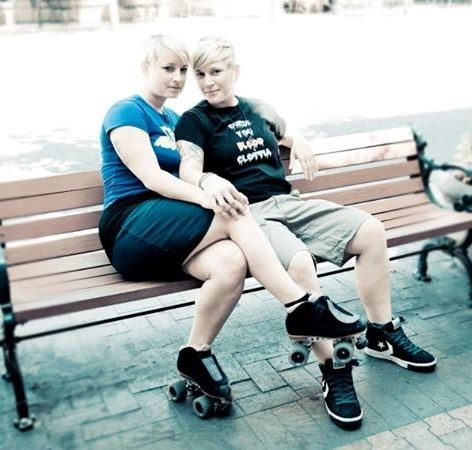 UPDATED: Lesbian Couple Kicked Out of Cab Onto I-84 Files BOLI Complaint